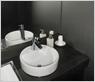 お手洗い同様にパウダースペースも高級感のある作りでこだわりました。