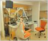 診察室から処置室への導線分離を意識した作りをしました。